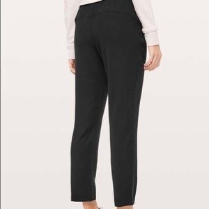 """Lululemon On The Fly Pant *Woven 7/8"""""""